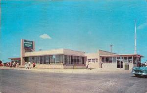 New York State Thruway~Corner House Restaurant Gift Shop~1950s Cars~Postcard
