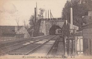 LORMONT, France, 00-10s: Un des cinq tunnels (celui de la gare) Railroad tracks