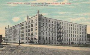 GRAND RAPIDS , Michigan, 1900-10s ; Oriel Cabinet Company