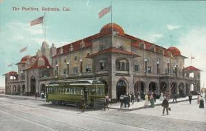 REDONDO , California, 00-10s ; The Pavilion, Trolley