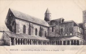 Mortain (Manche), France, 1900-1910s ; Ancienne Abbaye Blanche, le Cloitre et...