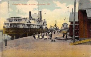 E45/ Cleveland Ohio Postcard 1911 Unloading Steamers at Dock Occupational