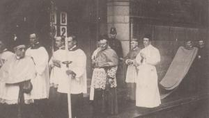 The Archbishop In Procession Of London Church Religious Vintage Postcard
