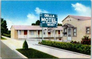 Vintage 1950s Winnemucca, Nevada Postcard DELLA MOTEL Highway 40 Roadside Chrome
