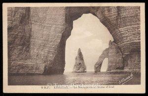 Etretat - La Manneporte et falaise d'Aval