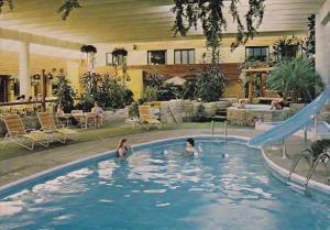 Swimming Pool, TraveLodge Motor Hotel, SASKATOON, Saskatchewan, Canada, 50-70's