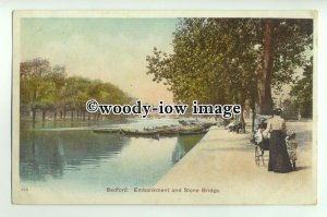 tp9285 - Beds - Embankment & Stone Bridge on the River Ouse, Bedford - Postcard