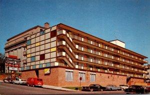 Iowa Davenport Downtowner Motor Inn Sixth and Main Streets