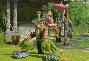 Philippines , 1950-70s ; Singkil