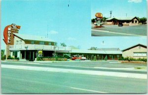GROOM, Texas ROUTE 66 Roadside Postcard GOLDEN SPREAD MOTEL & GRILL 1950s Cars
