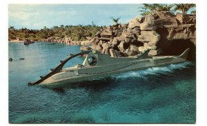 Vintage Postcard Walt Disney World 20,00 LEAGUES UNDER THE SEA Attraction Ride