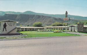 Exterior,  Davy Crockett Motel,  Kamloops,  B.C.,  Canada,   40-60s