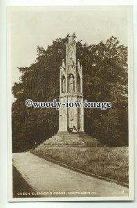tp8796 - N'Hants - The Queen Eleanor's Cross Monument, in Northampton - Postcard