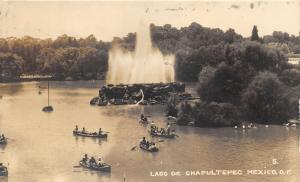 Mexico City~Lago De Chapultepec (Bosque de Chapultepec)~Canoes~Fountain~'46 RPPC