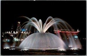 1964 NEW YORK WORLD'S FAIR Expo Postcard THE LUNAR FOUNTAIN Night View Unused