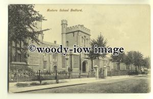 tp0070 - Bedfordshire - Early View of the Modern School, in Bedford - Postcard