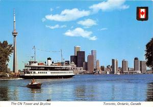 B74212 CN tower ship bateaux Toronto ontario  canada