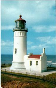 ILWACO, Washington  WA   NORTH HEAD LIGHTHOUSE  c1950s  Ellis   Postcard
