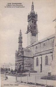France Landerneau L'Eglise Saint Houardon Le Clocher et le Portail Lateral