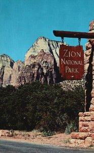 Zion National Park, Utah, UT, Gateway, Chrome Vintage Postcard g9255