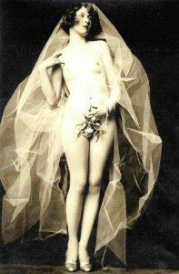 Postcard Risque Nude Naked Bride Wedding Lady Woman Erotic Erotism 96G