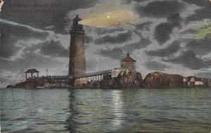 BOSTON , Massachusetts , PU-1907 ; Graves LIGHTHOUSE, At Night