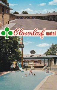 MEDICINE HAT , Alberta , Canada , 50-60s ; Cloverleaf Motel, Swimming Pool