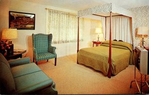 Massachusetts Auburn Yankee Drummer Inn and Motor House Typical Guest Room