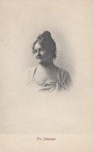 THEATRE / Theater ; Actress ; Fru Neiendam , 00-10s