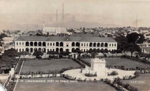D68/ Foreign Postcard Port au Prince Haiti RPPC Independence Place