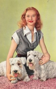 RP: Woman & 2 Dogs , 40-50s ; #4