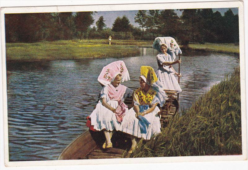 Spreewalderinnen Fahren Zum Kirchgang, Three German Women in row boat, PU-1937