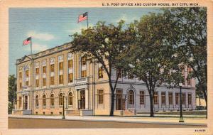 U.S. Post Office and Custom House, Bay City, MI, Early Linen Postcard, Unused