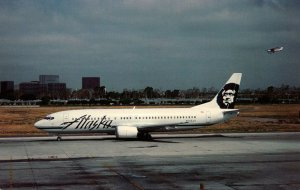 Alaska Airlines Boeing B-737-4Q8 At John Wayne Airport California
