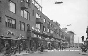 Netherlands Eindhoven. Hermanus Boexstraat, bicycles, animated street
