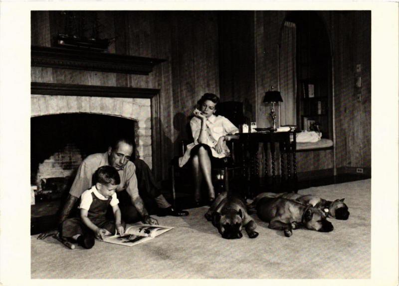 CPM Humphrey Bogart, Lauren Bacall and Stevie, FILM STAR (717785)