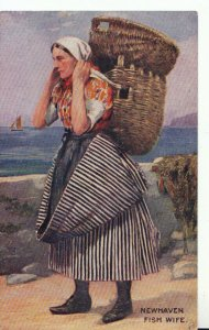 Sussex Postcard - Newhaven Fish Wife - Ref 19313A