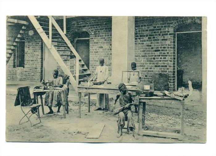 Mission de Kangu, Les petits metiers, Kongo(Mayombe), PU-1923 sewing machines