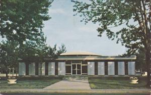 Centre Culturel , Cap-de-la-Madeleine , Quebec , Canada , PU-1973