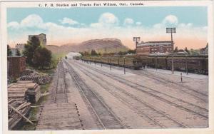 C.P. Railroad Station & Tracks , Trains , FORT WILLIAM , Ontario , Canada , 0...