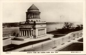 New York, Grant's Tomb and Hudson River (1930s) RPPC Rotary Photo 10781-9
