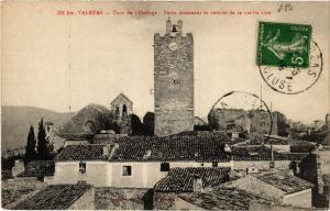 CPA VALREAS - Tour de l'Horloge - Point dominant et central de (511711)