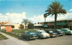 Autos Maricopa Inn Motor Hotel Mesa Arizona Route 60 70 80 Postcard pool 4000