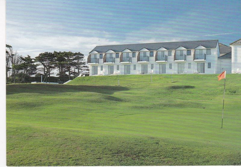 Post Card  Cornwall Padstow Trevose Golf & Country Club The Dormy Flats