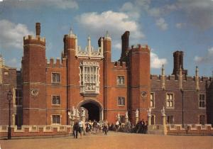 uk6841 hampton court palace uk