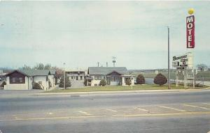 Sioux Falls South Dakota~Rushmore Motel on E 10th Street~1960-70s Postcard
