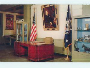 Pre-1980 PRESIDENT FDR ROOSEVELT DESK AT LIBRARY Hyde Park New York NY hs1975