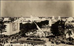 1939 NY New York World's Fair Constitution Mall Real Photo Postcard