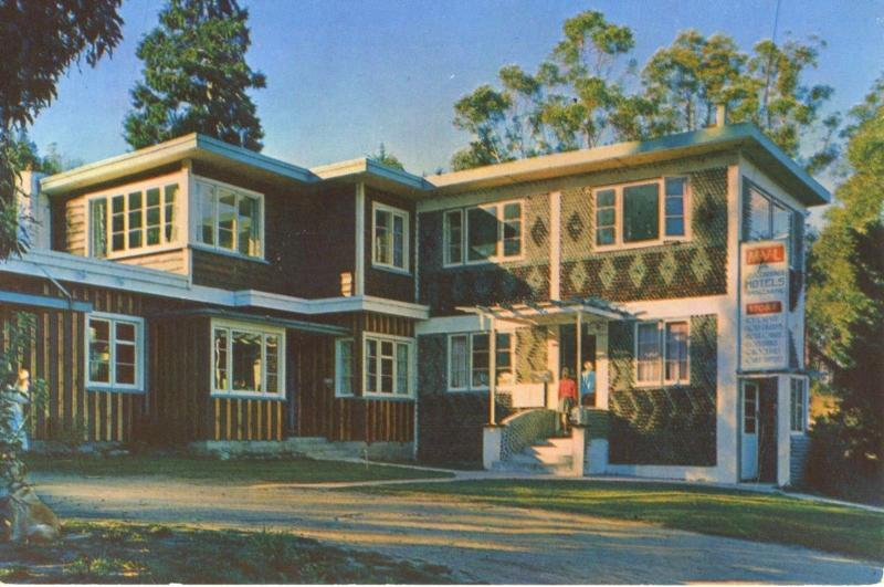 Queenstown NZ New Zealand Home Built From 15000 Bottles Vintage Postcard D4
