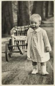 Princess and now Queen Beatrix of The Netherlands as Youg Girl (1939) RPPC
